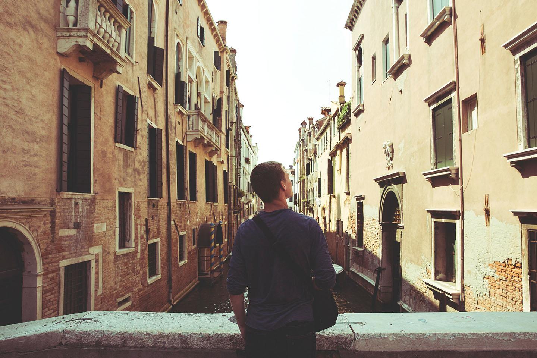 Cercar casa a Bologna è diventato il tuo incubo? Non è colpa tua, ecco cosa sta succedendo!